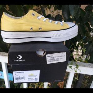 Converse Chuck Taylor Women's lift butter yellow